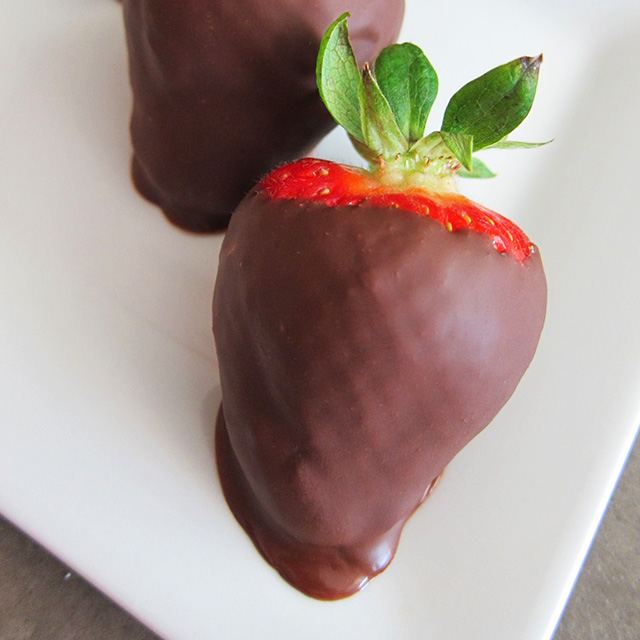 Chocolate Dipped Strawberries, Paleo and Vegan