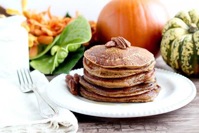 Easy Paleo Fall Recipes: Paleo Pumpkin Pancakes (with Cassava Flour)
