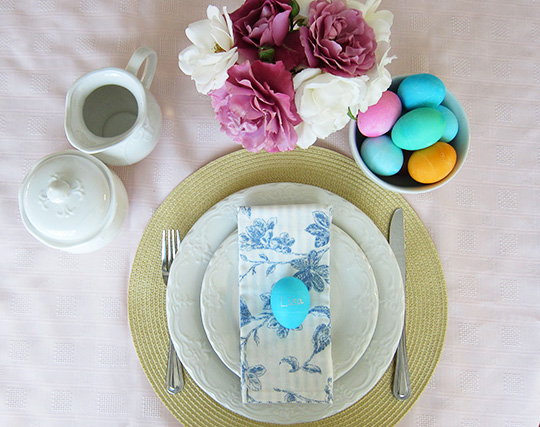 Easy Easter Table Settings